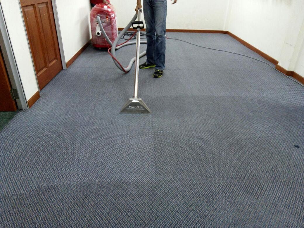 Which Carpet Cleaning Method Is Better Bonnet Steam Or